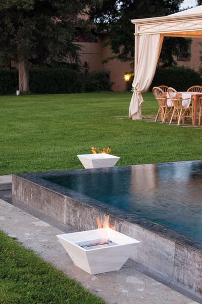 ethanol fireplace biokominek altrofuoco stone 01 La biochimenea como una inspiración para los diseñadores de los jardines.